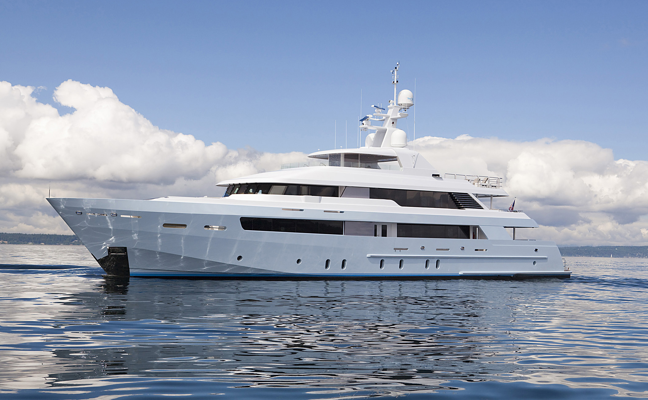 Delta marine sold 151ft megayacht monarch superyachts for Luxury motor boats for sale