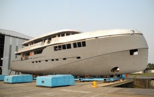 View large version of image: 44m yacht Green Voyager 144 by Kingship with launch in summer 2013