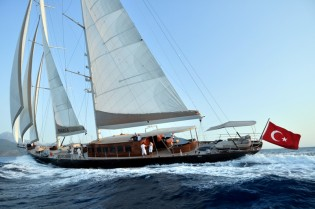 View large version of image: Discounted charter rate for the Mediterranean luxury gulet REGINA
