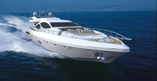 View large version of image: Open style performance yacht Mangusta 110 by Overmarine Group