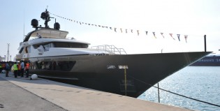 View large version of image: Sanlorenzo launches the 46m superyacht Achilles