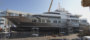 View large version of image: 72m superyacht Stella Maris by VSY-Viareggio Superyachts launched