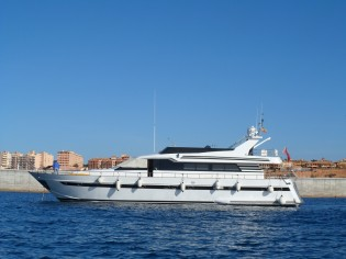 View large version of image: SPAIN YACHT CHARTER: Motor Yacht Lady Tatiana of London offering reduced charter rate