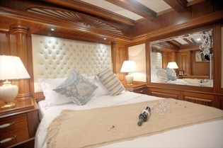 View large version of image: Luxury Yacht Charter Turkey Greece | Luxury Deluxe VIP or High Deluxe