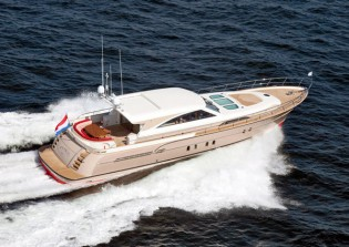 View large version of image: Mulder Convertible 72 yacht delivered