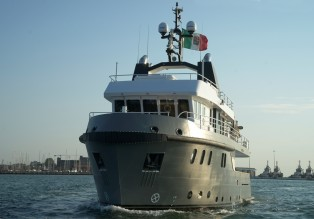 View large version of image: Cantieri Navali Chioggia deliver the Ocean King 88 explorer yacht Irie Man