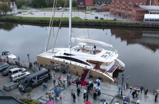View large version of image: Christening ceremony and sea trials for Sunreef 82 DD yacht Houbara
