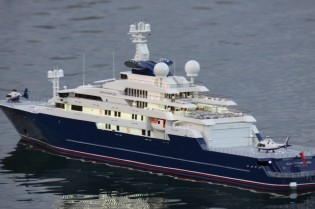 View large version of image: Jurgen Goller and Roland Hache's scale model of the 126m megayacht OCTOPUS by Lurssen