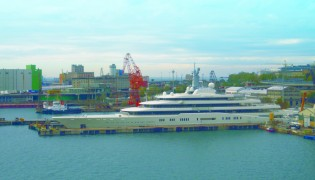 View large version of image: Megayacht ECLIPSE leaves Fincantieri