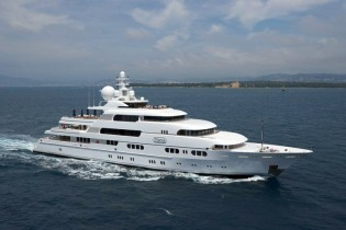View large version of image: Outstanding SEYCHELLES yacht charter special for Charter Yacht TITANIA (ex Apoise)