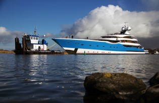 View large version of image: Impressive 99 m mega yacht Project DREAM launched by Feadship