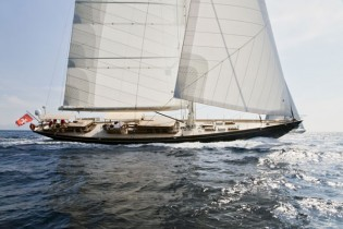 View large version of image: World Superyacht Awards 2013 Finalist: Truly Classic 108 Yacht SIMBA designed by Hoek