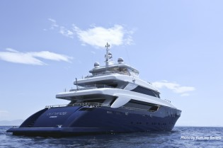 View large version of image: IY&A Awards 2013 Finalist: Nadara 45 charter yacht OURANOS by Admiral Tecnomar Group