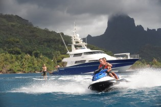 View large version of image: Fantastic TAHITI yacht charter special for ULTIMATE LADY superyacht