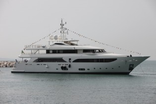 View large version of image: All-new 43m LADY GENYR Yacht launched by CRN