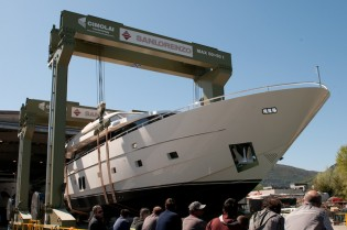 View large version of image: SL94 motor yacht B2 launched by Sanlorenzo