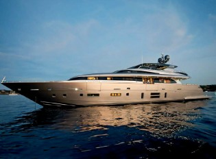 View large version of image: Robb Report's 'Best of the Best Honoree' for Canados 120 superyacht Far Away