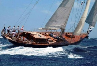 View large version of image: SHAMOUN Yacht available for Southeast Asia Yacht Charter