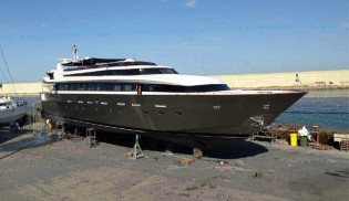 View large version of image: BEYOND THE SEA Yacht gets full hull wrap from Wild Group International