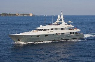 View large version of image: Mediterranean luxury mega yacht charter special for MOSAIQUE yacht