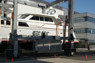 View large version of image: Mulder Shipyard re-launch Mulder 73 Wheelhouse luxury yacht FLOAT