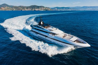 View large version of image: Rossinavi superyacht Param Jamuna IV showcased at MYS 2013