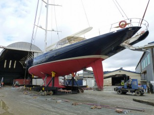 View large version of image: Oceania Marine working on 3-month refit of superyacht INMOCEAN