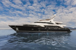 View large version of image: BAHAMAS LUXURY YACHT CHARTER