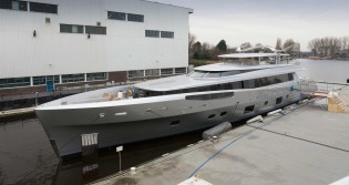 View large version of image: New 46m superyacht COMO launched by Feadship