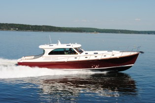 View large version of image: $100,000 price reduction on Hinckley Talaria 55' MID-SUMMERS DREAM with Northrop and Johnson