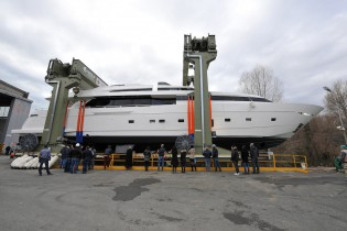 View large version of image: Launch of new SL118 superyacht H1 by Sanlorenzo