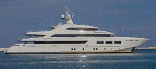 View large version of image: Launch of 61m superyacht SARAMOUR (CRN 133)