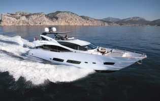 View large version of image: France Yacht Holidays on board 28m HIGH ENERGY yacht by Sunseeker