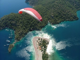 View large version of image: Turkish holiday rocks in gulets n yachts