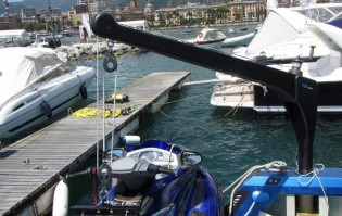 View large version of image: Foldable Carbon-Fiber Davits for Lifting Jet Skis