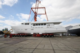 View large version of image: Hull and superstructure of new Wim van der Valk superyacht Trawler 37.00 joined together