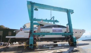 View large version of image: KRM Yacht completes refit of Couach 2800 Open Yacht SHENU