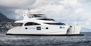 View large version of image: Delivery of 70 Sunreef Power Yacht 1 LIFE