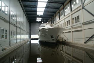 View large version of image: First Mulder 98 Flybridge yacht YN 1391 launched