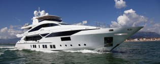 View large version of image: Veloce 140 superyacht CHEERS 46 to make her premiere at FLIBS 2014