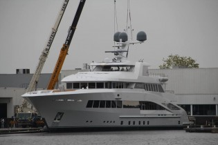 View large version of image: Feadship launches 60,35m mega yacht ROCK.IT (hull 687)