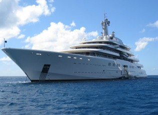 View large version of image: Luxury mega yacht ECLIPSE under new technical management
