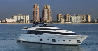 View large version of image: Two luxury superyachts to be displayed by Sanlorenzo Americas at FLIBS 2014