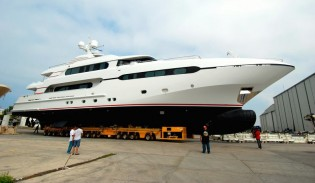 View large version of image: Launch of second Sunrise 45m superyacht Project SUNSET (hull 182)