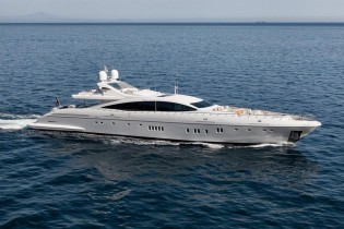 View large version of image: Mangusta 165E Yacht MOONRAKER wins Superyacht of the Year 2014 Award