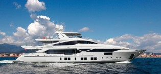 View large version of image: Luxury motor yacht Veloce 140' by Benetti
