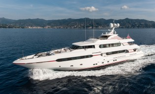 View large version of image: Sunrise Yachts sign three new superyacht projects at FLIBS 2014