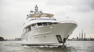 View large version of image: Successful sea trials for Mulder 98 Flybridge superyacht YN1391