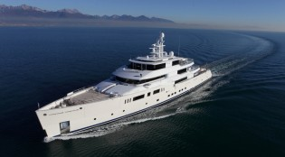 View large version of image: 73m mega yacht GRACE E to cruise the waters of the Caribbean this winter
