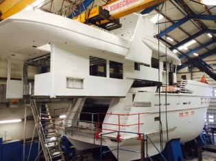 View large version of image: Acico Yachts put superstructure of Drettmann Explorer 24 superyacht onto her hull